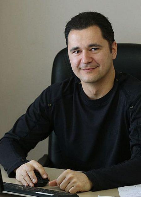 Игорь Яров